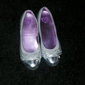 Girl's silver dress shoes